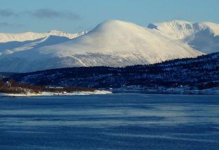L'hiver au-delà du cercle polaire, aux envions de Tromsø.